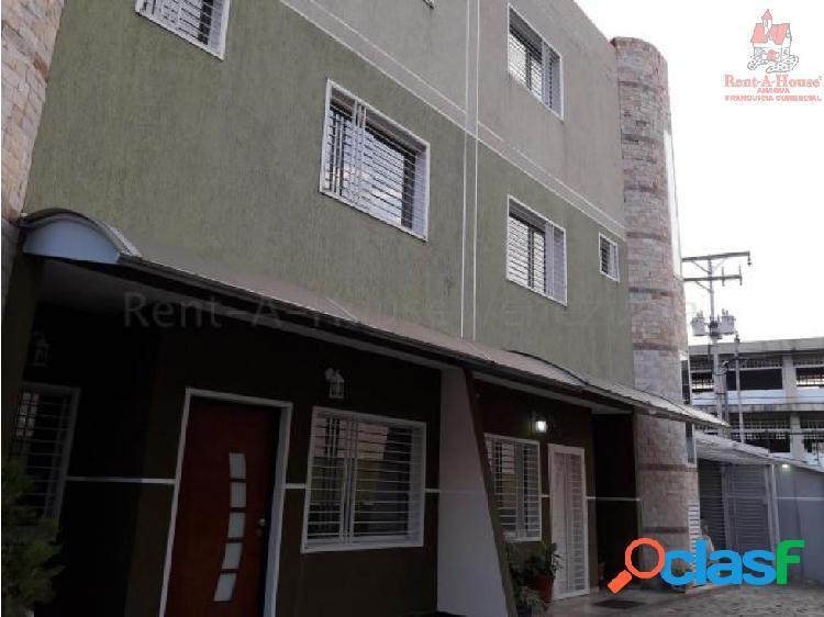 Townhouse en Venta Andres Bello 20-8744 SSL