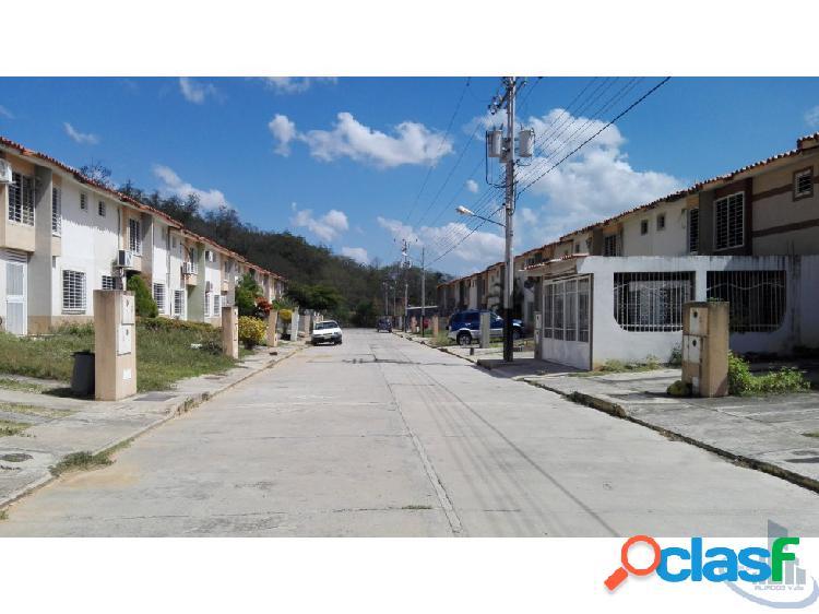 Townhouse en Venta Las Mesetas Cua