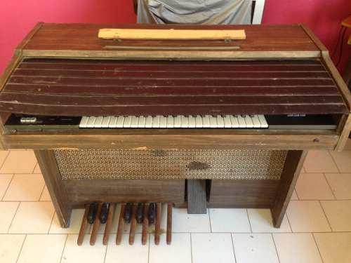 Órgano Musical Marca Yamaha