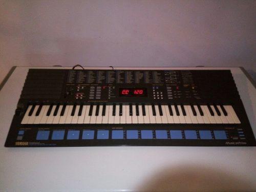 Piano Yamaha Portasound Pss-680 En Excelentes Condiciones