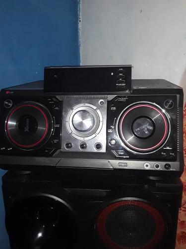 Equipo De Sonido Lg Xboom Cm 9730 2300 Rms Usb Blustooth.