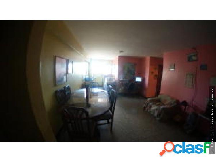 Apartamento en Venta El Centro 20-4686 AL