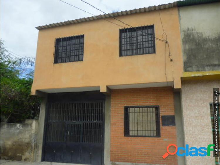 Casa en Venta Barrio Union Lara RAHCO