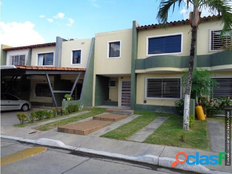 Casa en Venta La Mora 20-1495 ECM