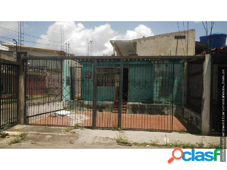 Casa en Venta La Puerta Cabudare 20-2544 J&M1;