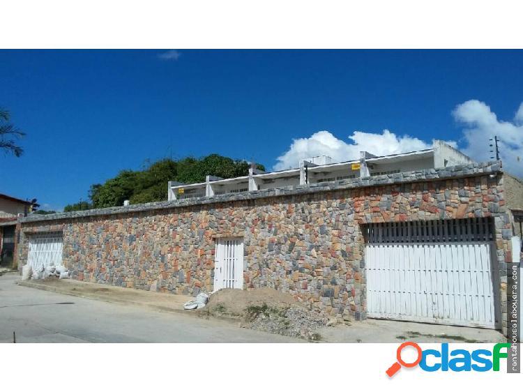 Casa en Venta Macaracuay JF6 MLS18-12471