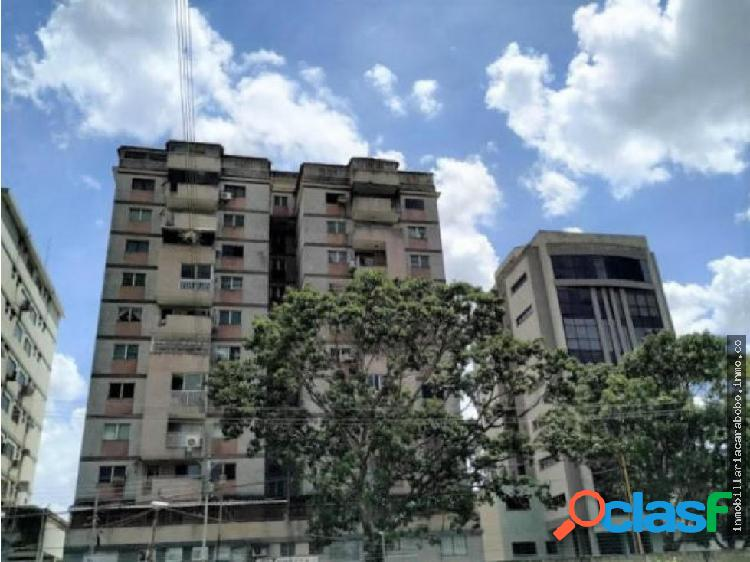 Melisa Martinez 04242994328 Av Bolivar 20-7593