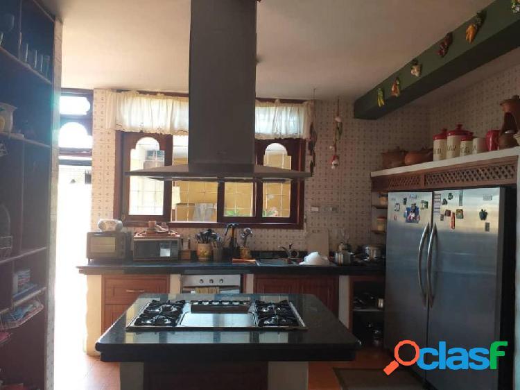 Se vende Casa Colinas de Santa Rosa RAH: 19-13906