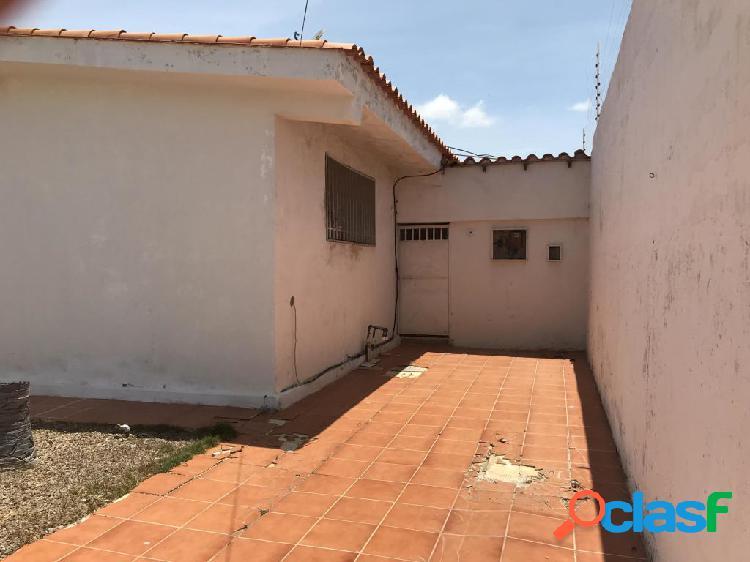 Se vende Casa Los Caciques RAH: 19-10156