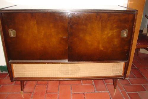 Tocadisco Radio Y Tv. Mueble Antiguo. De Colección