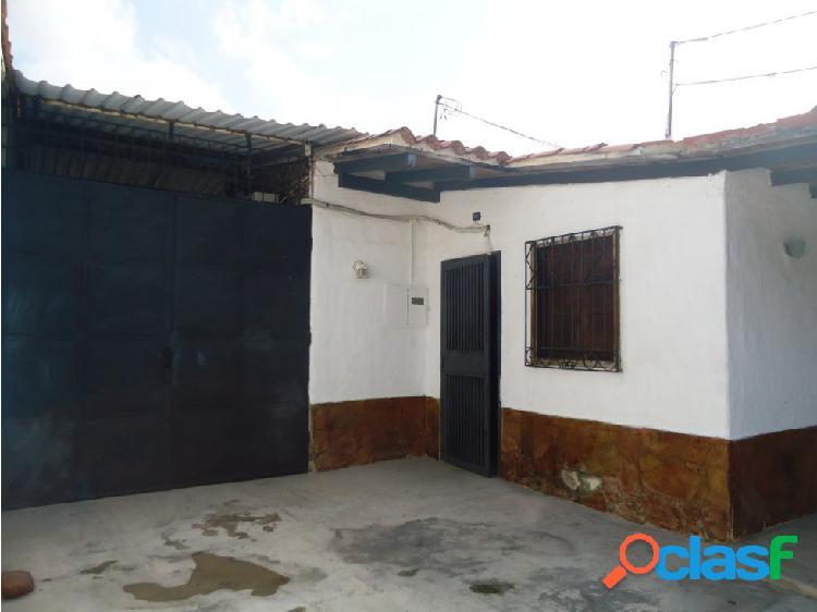 Vendo casa en Cabudare Urbanizacion Almariera