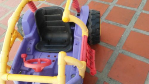 Carro A Baterias Hot Wheels Fisher Price Playero