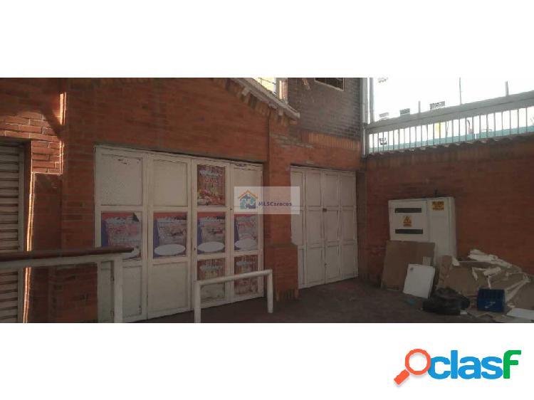 Se alquila local comercial 280 m2 / El Paraíso