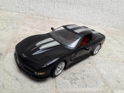 Carro De Colección Corvette Z Escala 1/18 Maisto