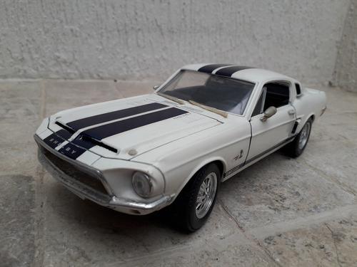 Carro De Coleccion Ford Shelby  / Escala 1/18