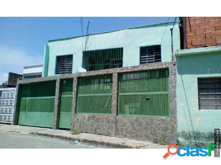 Casa en Venta en el Barrio San Rafael. Maracay