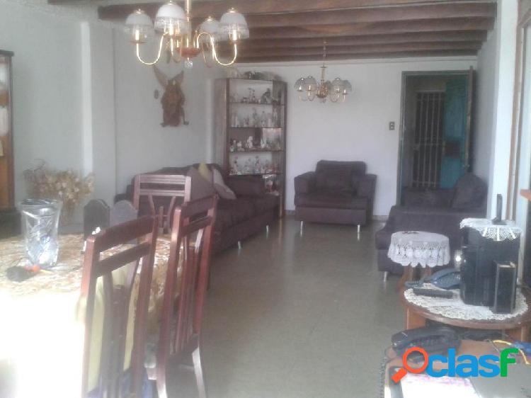 En venta Apartamento La Mata RAH: 19-16105