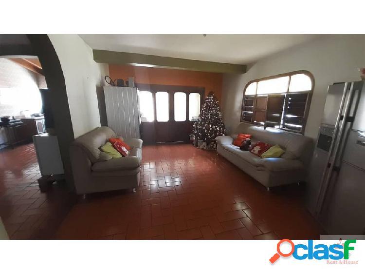 Gehijka Vende Hermosa Casa quinta