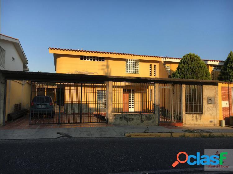 Gehijka Vende Hermosa Quinta