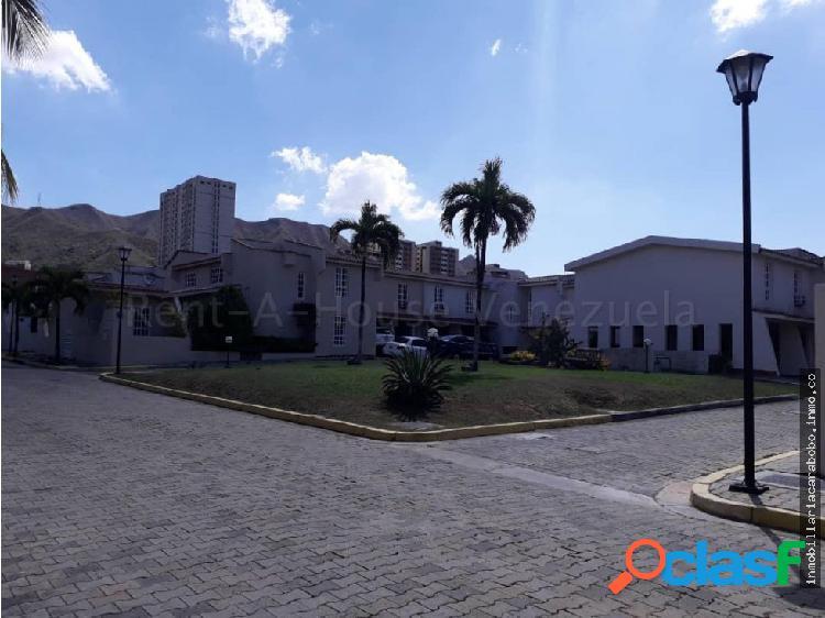 Townhouse en El Rincon 20-10385 jjl