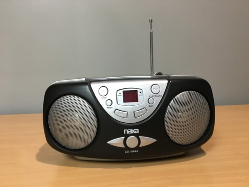 Reproductor Portatil Naxa Cd Aux Radio Am/fm