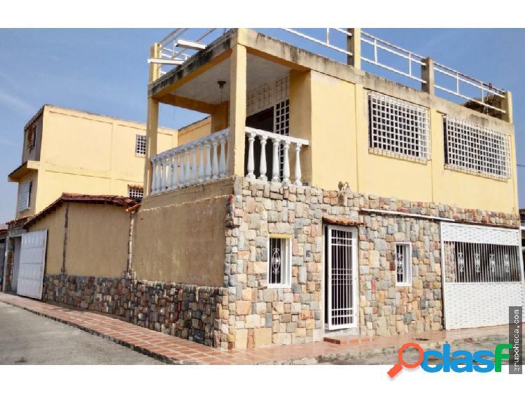 Casa Urb. Villas del Centro, Maracay.