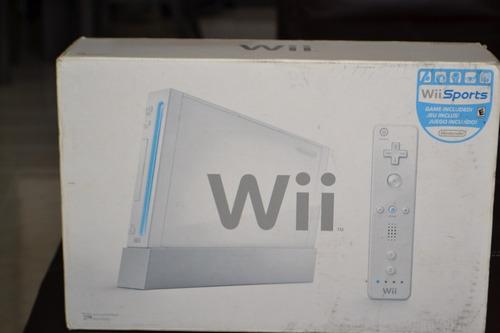 Consola Nintendo Wii Original Con Sus Controles.