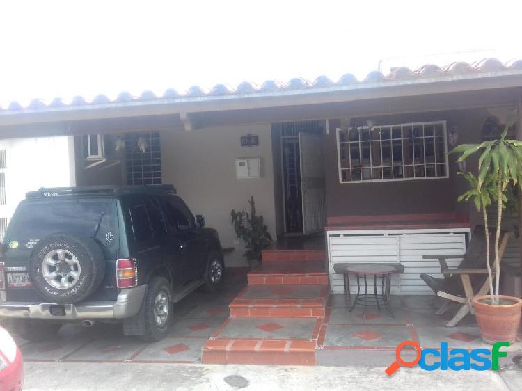 RAH: 20-2805. Casa en venta en La Mora