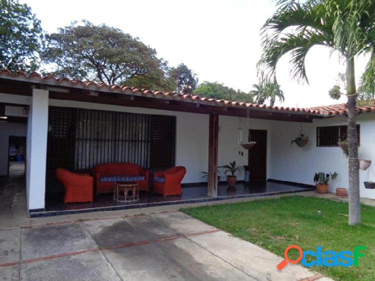 RAH: 20-2871. Casa en venta en Santa Rosa