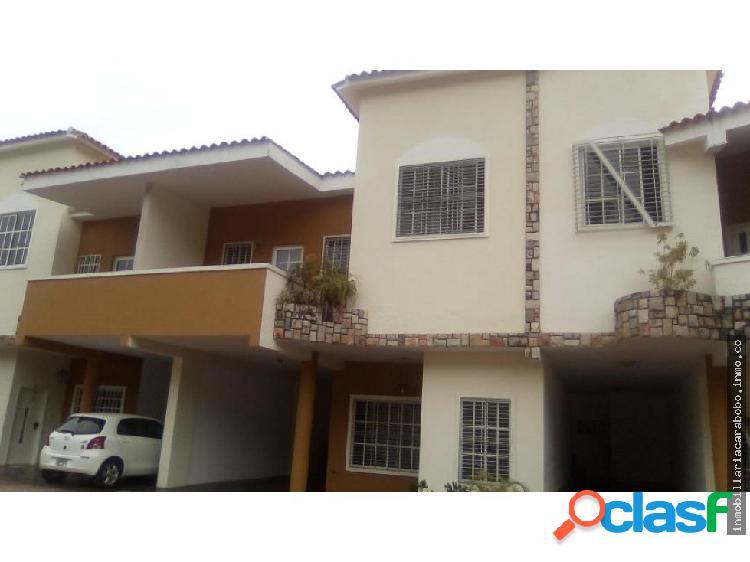 Townhouse Venta Urb El Parral Cod 20-11529 ORG