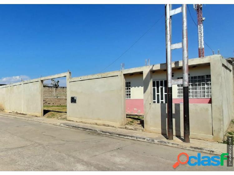 Casa Urb. Privada Los Lirios, Palo Negro.
