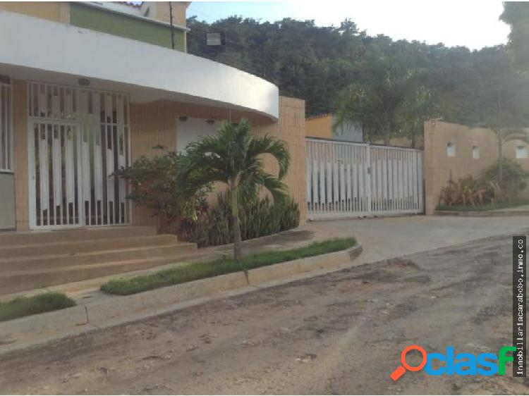 TOWNHOUSE EN EL PARRAL CODIGO 20-873 JV