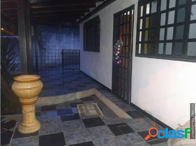 Casa + Anexo Urb Sant Omero Los Teques