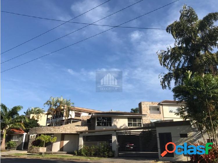 (MAC-326) Casa Guataparo Country 1200 m2