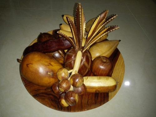 Plato Con Frutas De Madera