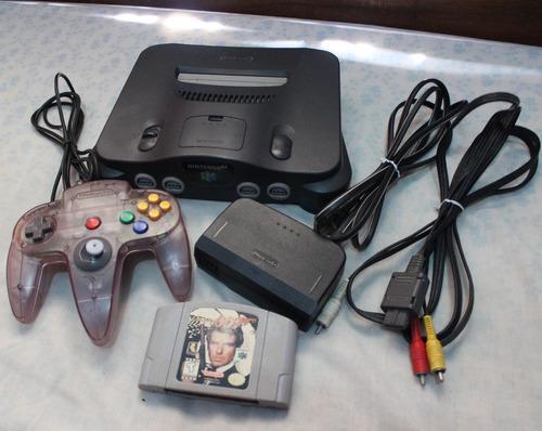 Nintendo 64 +1 Control + Juego James Bond. 50verdes