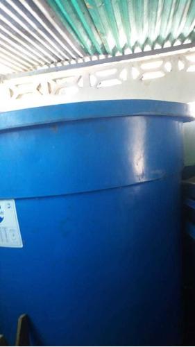 Tanque De Agua  Litros Y De  Litros
