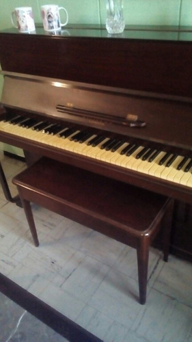 Piano Vertical Marca Brasted