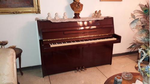 Piano Yamaha Acústico
