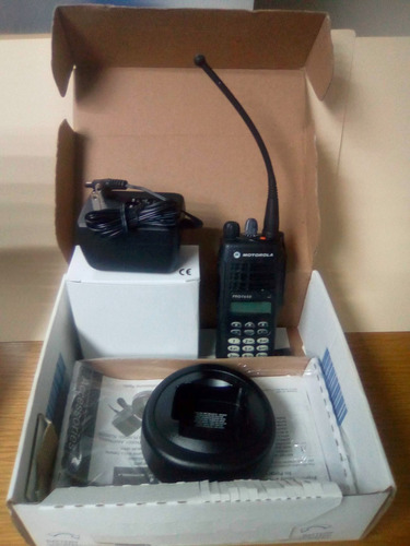Radio Motorola Pro  Nuevo $350