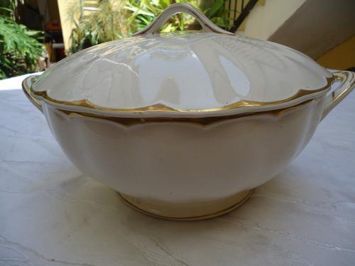 Bellisima Sopera Porcelana Inglesa Con Bordes En Oro.