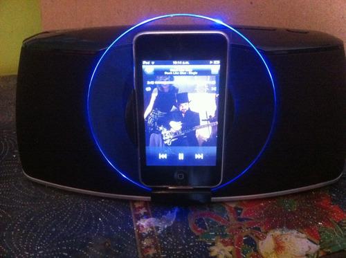 iPod Touch De 8 Gb Con Speaker System De Lujo Nuevo