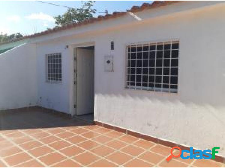 Gehijka Vende Comoda casa en urbanizacion cerrada