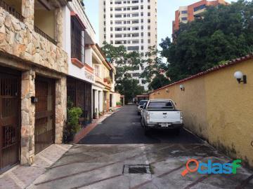 Townhouses en venta en Valles de Camoruco, Valencia, 17