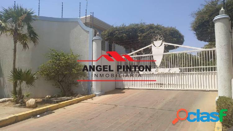 EN VENTA CASA EN EL DORAL NORTE. MARACAIBO. API 5103