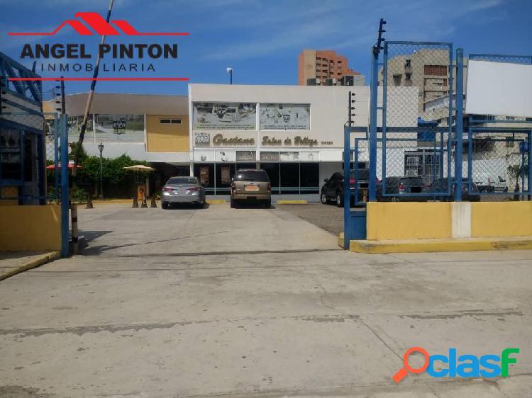 VENTA PUNTO COMERCIAL PELUQUERIA EN MARACAIBO API 5204