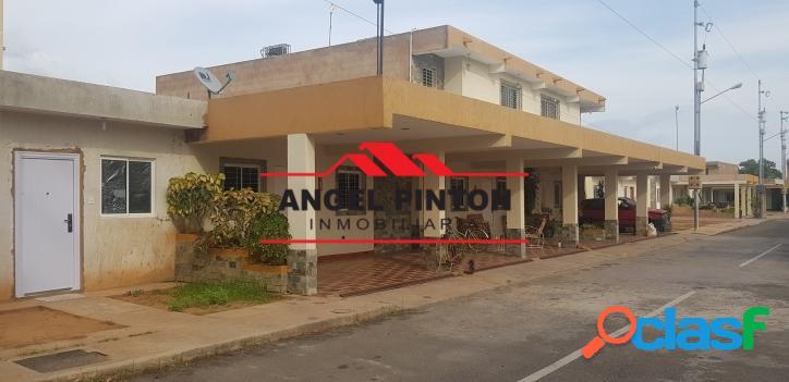 VILLA CERRADA VENTA GALLO VERDE MARACAIBO API 4779