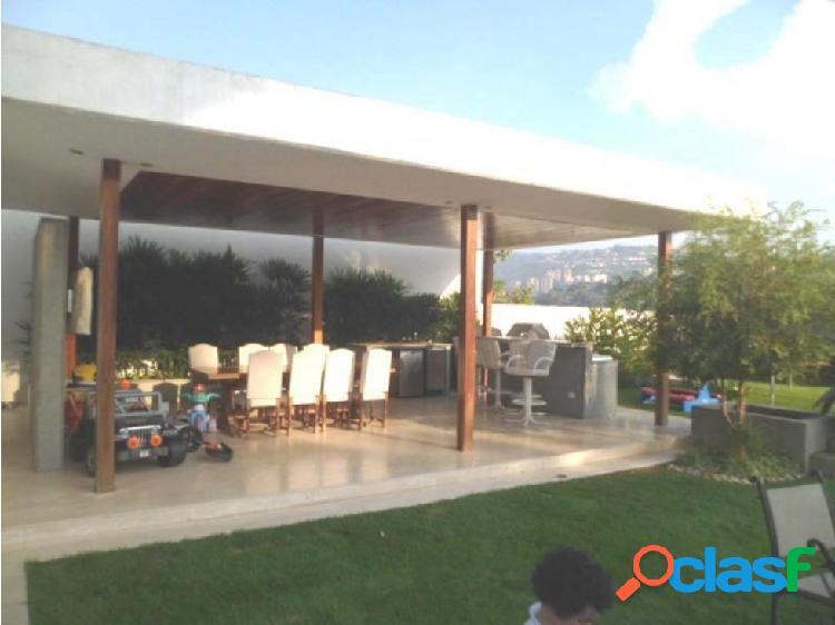 Casa en Venta Santa Paula FR5 MLS14-3957