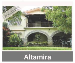 Se vende Hermosa Casa Estilo Colonial Altamira