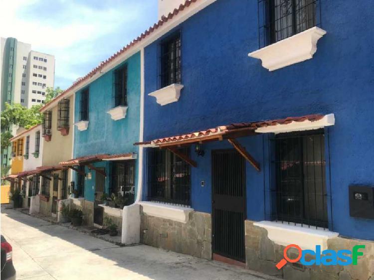 Vendo hermoso Tonwhouse en El Parral 40.000